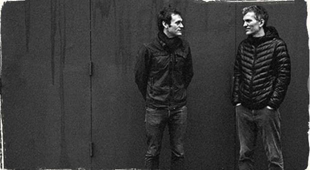 Mandolína a klavír v spoločnom objatí: Chris Thile a Brad Mehldau vydali duový album