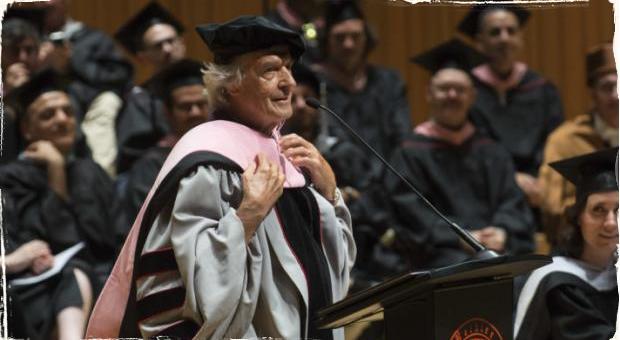Doktor McLaughlin: Čestný doktorát pre slávneho gitaristu