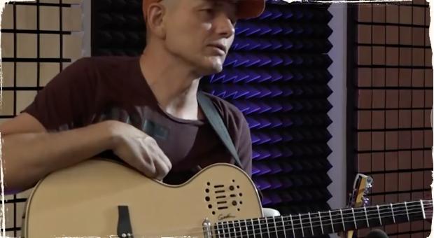 Relácia Introspektívy: Alebo ako sa gitarista stal televíznym moderátorom