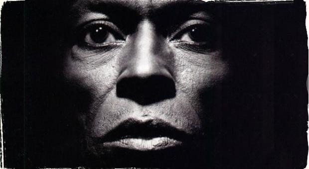 Svetový prelom v uchovávaní hudobných pamiatok: Vedci zapísali skladbu Milesa Davisa Tutu do sekvencie DNA