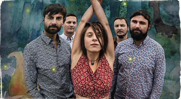 Sisa Fehér vyráža na turné: Predstaví jeden z najoriginálnejších albumov Slnko Records Bardo