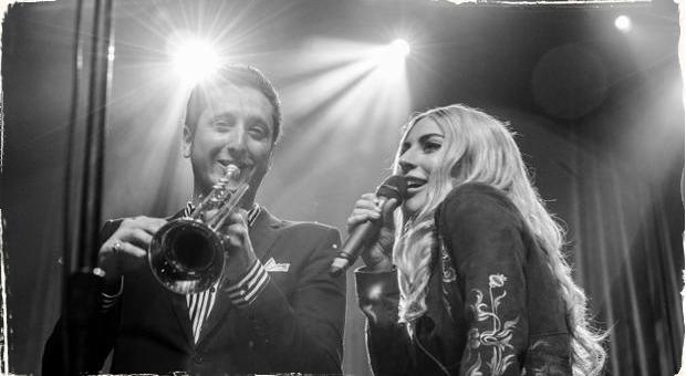 Lady Gaga spieva jazz: Nový duet s trubkárom Brianom Newmanom