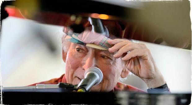 Zakladateľ Newport Jazz Festu opäť ocenený: George Wein dostáva cenu od Rhode Island Philharmonic Orchestra