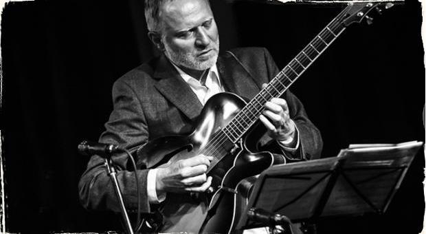 Cenu Gustava Broma získal tento rok slovenský jazzman: Výhercom je skladateľ a gitarista Matúš Jakabčic