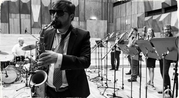 Reportáž: Tres Muchachos Musicos a Radovan Tariška Little Big Band v Slovenskom rozhlase