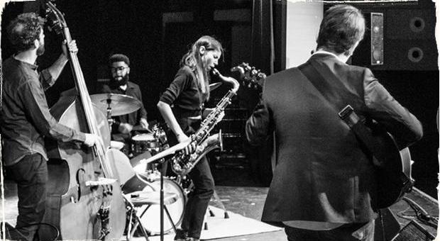 Jazz Meets World: Saxofonistka Melissa Aldana predviedla v Prahe zvukovo krásny a dynamický koncert