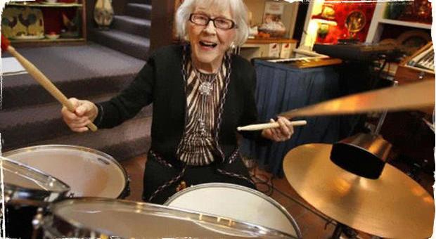 ,,Women in jazz'' predstavuje: Najstaršia žijúca bubeníčka Viola Smith