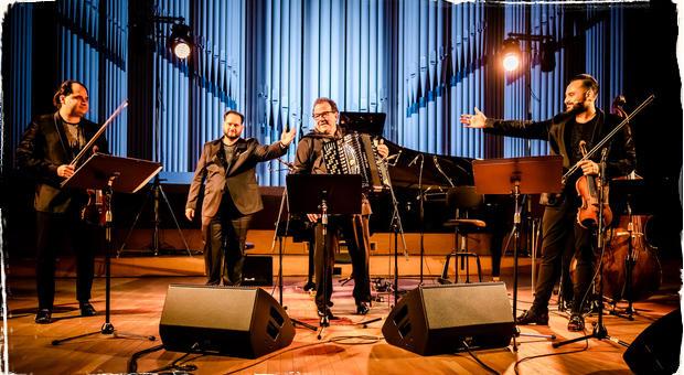Janoska Ensemble a Richard Galliano: Predvianočný darček v podobe výnimočného koncertu