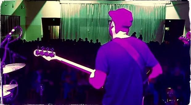 Slovenské trio Darkness Positive prináša záznam z koncertu Nitra live. Nahrávka predznamenáva druhý album pripravovaný na jeseň