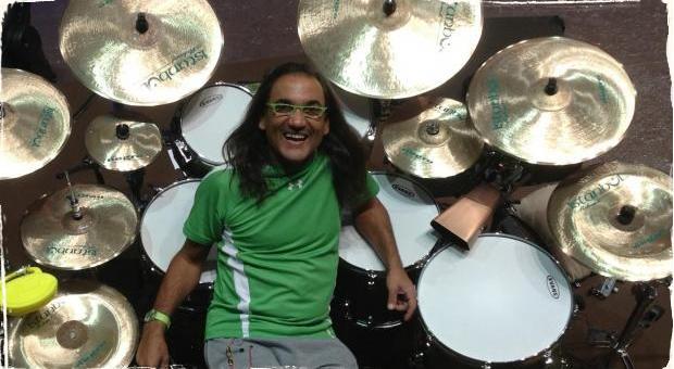 Horacio El Negro Hernandez: V kapele hrám so svojimi idolmi