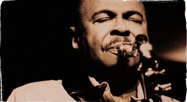 Vychádza nová autobiografia legendárneho saxofonistu: Benny Golson a Whisper Not