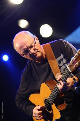 9.9. 2015 ďalšia gitarová hviezda v Bratislave - Jacques Stotzem (B)