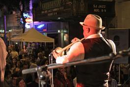 A New Urban Groove featuring Doug Ellington /USA/ v Reduta Jazz Club