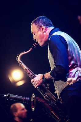 Andy Middleton zahraje v Reduta Jazz Clubu s Lukášem Oravcem a jeho kapelou