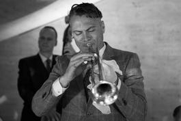 Americký trumpetista, skladateľ a spevák Michael Arenella odohrá na Slovensku 2 koncerty a workshop