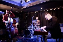 Alan Bartuš trio at Luna Bar , 3.7.2018 19:00