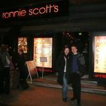 Žuffovci pred londýnskym klubom Ronnie Scott`s
