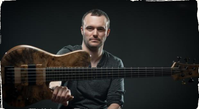 Basgitarista Janek Gwizdala: V Bratislave v rámci svojho sólo turné