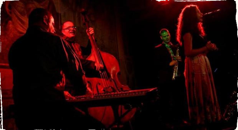 Júlia Kozákova a jej Gypsy Songs v bratislavskom Jazztikote