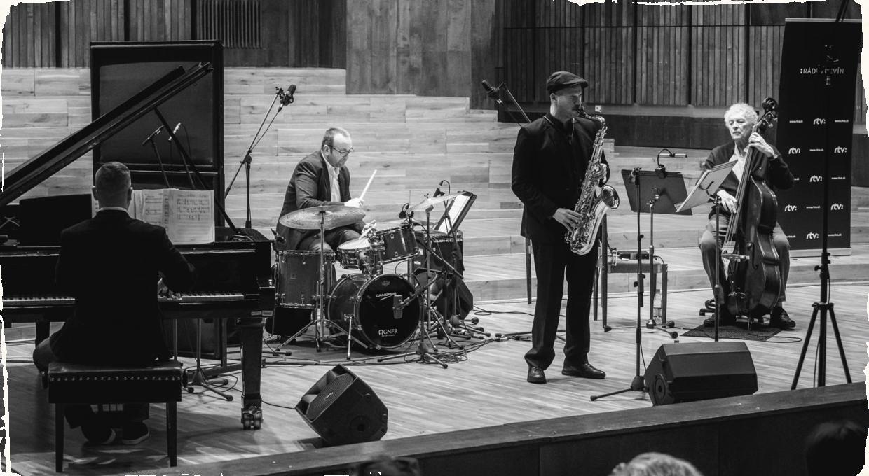 Reportáž: Altar live spolu s Miroslavom Vitoušom a Klemensom Marktlom