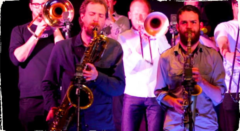 """Zvuk veľkého jazzového konzortu z Manchesteru: Beats & Pieces Big Band vydávajú album """"Ten"""" pri príležitosti 10. výročia založenia kapely"""