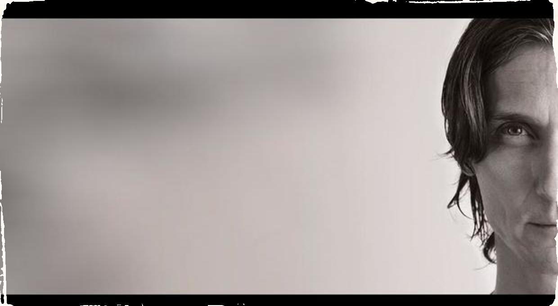1. hobojista Slovenskej filharmónie Robert Holota prichádza s debutovým albumom: Nahrávka Santo Domingo prináša jazzovú atmosféru okorenenú funkom a soulom