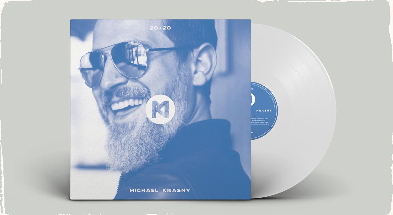 Dlhoročný spoluhráč Laca Décziho vydáva nový titul: Druhý sólový album Michaela Krásného má názov 20:20