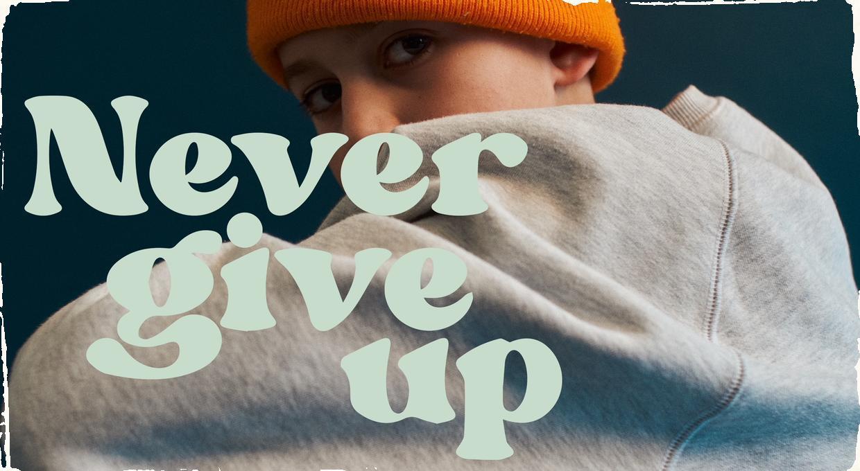 """Aron Hodek prichádza so svojim debutovým klipom. Singel """"Never Give Up"""" vydáva s americkým hudobníkom Doobie Powellom"""