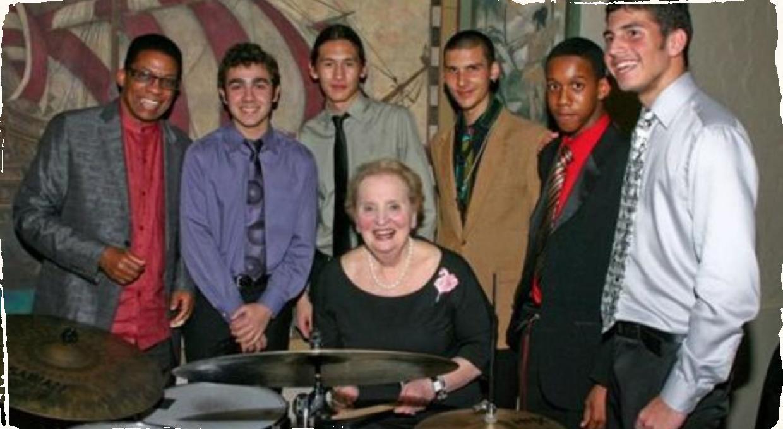 Albrightová prevezme cenu za jazzovú diplomaciu, chystá sa znovu zahrať na bicích