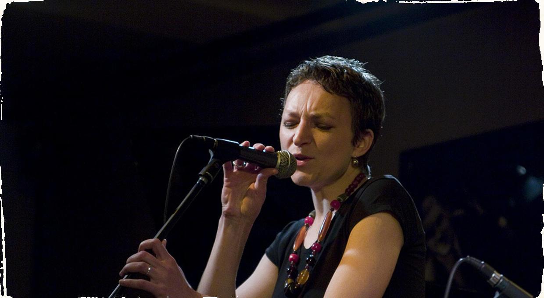 Miriam Bayle sa vracia na scénu – s novou kapelou i albumom