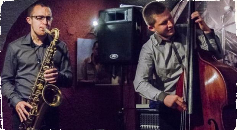 Pianoless Trio Martina Uhereka a jeho Príbehy jazzu v Jazz Klube 12 v Banskej Bystrici