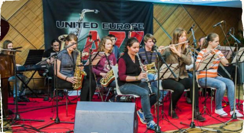 Swingový orchester ZUŠ Jána Cikkera na festivale v Banskej Bystrici