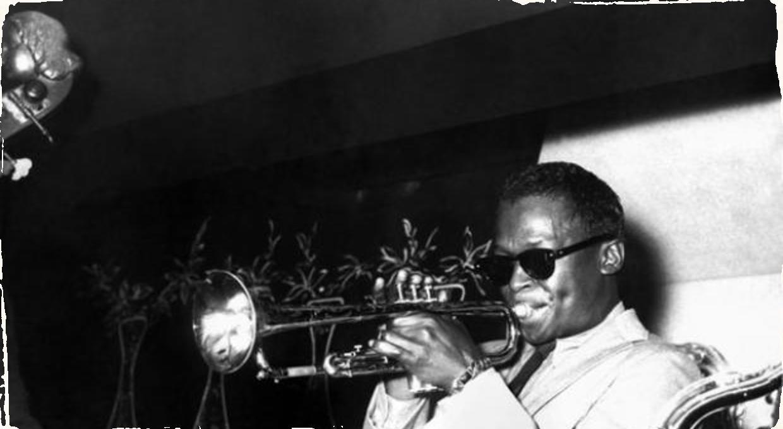 Vychádza nová kolekcia Davisovho kvinteta: Kompletná s nevydarenými trackmi aj štúdiovými dialógmi